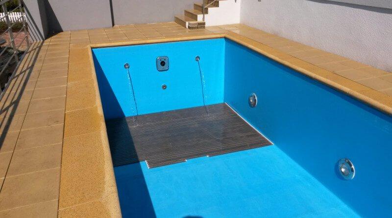 Čištění dna bazénu
