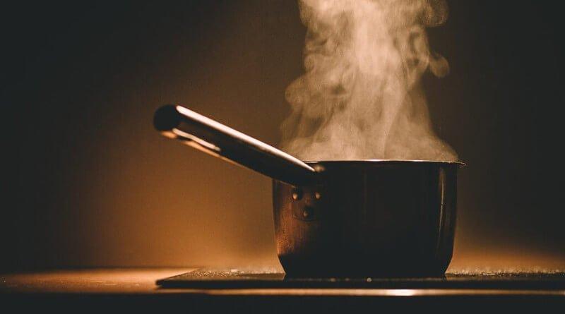 Jak vyčistit připálené nádobí