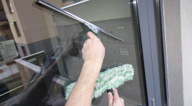 Mytí oken v zimě