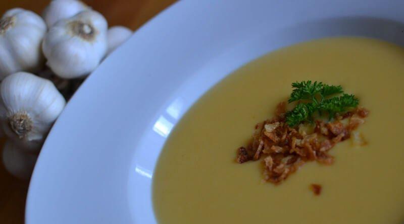 Krémová česneková polévka