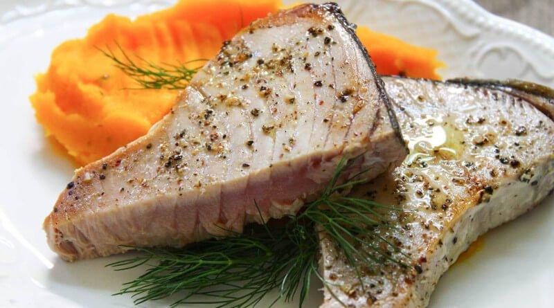 Steak z tuňáka s dýňovým pyré