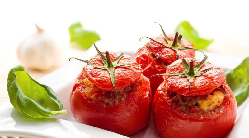 Plněná zapékaná rajčata