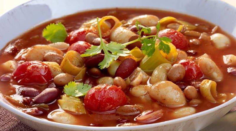 Eintopf s rajčaty a fazolemi